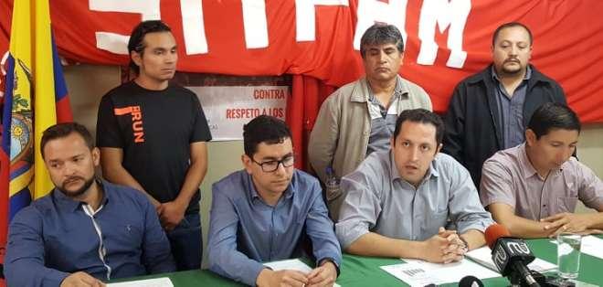 QUITO, Ecuador.- Según los trabajadores, la reducción de 700 servidores afectaría la producción petrolera. Foto: Twitter