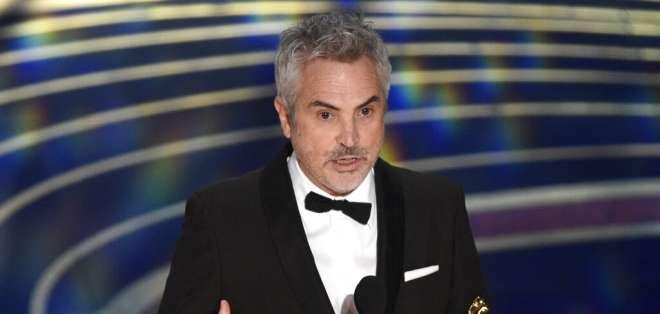 """Alfonso Cuarón recibe el Oscar a la mejor cinematografía por """"Roma"""". Foto: AP"""