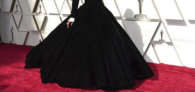 La presentación de Porter en un provocador atuendo los Oscar causó revuelo. Foto: AP.