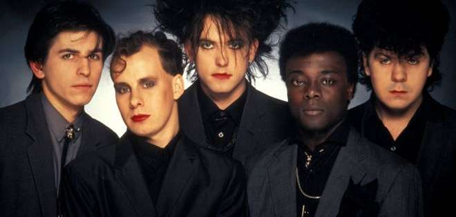 Andy Anderson (segundo a la izq.), se incorporó a The Cure en 1983. Foto: Getty Images