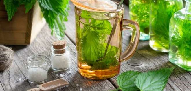 Quienes se describen como naturópatas ofrecen remedios como alternativa a la medicina tradicional.