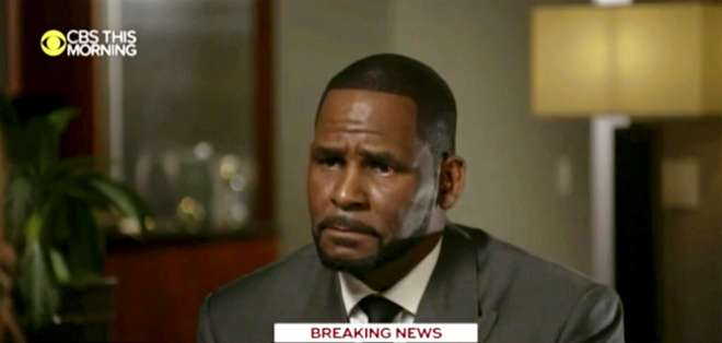 """CHICAGO, EE.UU.- R. Kelly es entrevistado por Gayle King en el programa """"CBS This Morning"""". Foto: AP."""