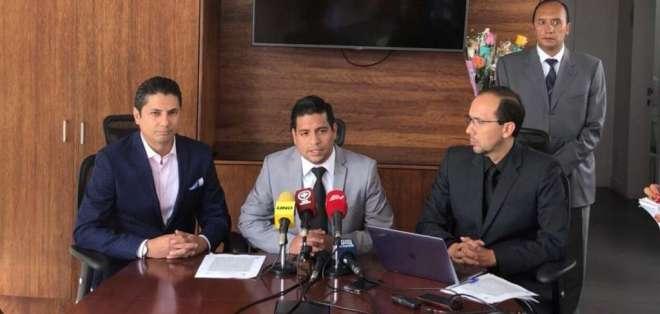 Víctor Rivadeneira mencionó, entre otros, el implante de armas a Vallejo, según Balda. Foto: Cortesía