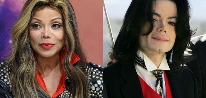 En un video de 1993 la artista y hermana del 'Rey del Pop' confirmó los abusos, luego se retractó. Foto: Collage.