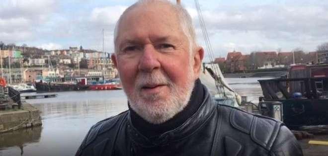Derek Horsington salió del armario a los 68 años.