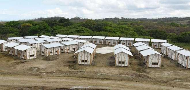 """MANABÍ, Ecuador.- En reasentamiento """"La Nueva Chorrera"""", las casas que fueron entregadas no tienen agua potable. Foto: Archivo"""