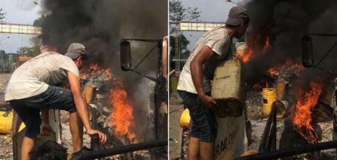 Opositores no incendiaron camión con ayuda humanitaria en Venezuela. Foto: Twitter