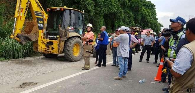 Dos personas mueren por deslave en el norte de Guayaquil. Foto: Bessy Granja