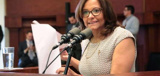 QUITO, Ecuador.- La presidenta de la Asamblea propone que designación de autoridades vuelva al parlamento. Foto: Archivo