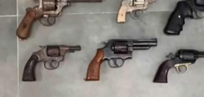 Cae banda dedicada a venta de armas en Manabí. Foto: Captura de video