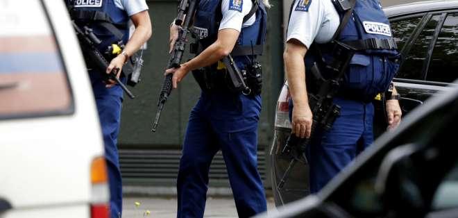 Policía llamó a población a no salir a las calles. Foto: AP