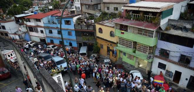 Venezuela reanuda labores, en profunda crisis tras gigantesco apagón. Foto: AFP