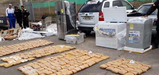 El caso se registró en Carchi y la sustancia se halló escondida en electrodomésticos. Foto: Tomada de El Diario.