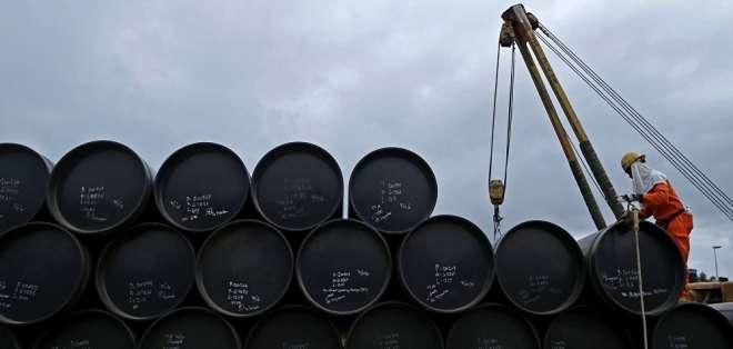 EE.UU.- El barril de WTI, crudo que comercializa Ecuador, se situó en $60,03 para abril. Foto: Archivo