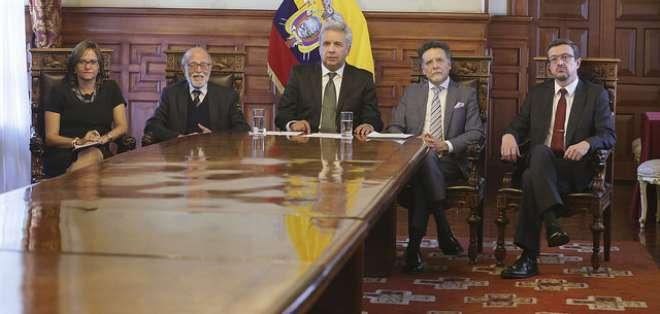 QUITO, Ecuador.- En la foto algunas de las autoridades convocadas por jueza. Foto: Flickr Presidencia.
