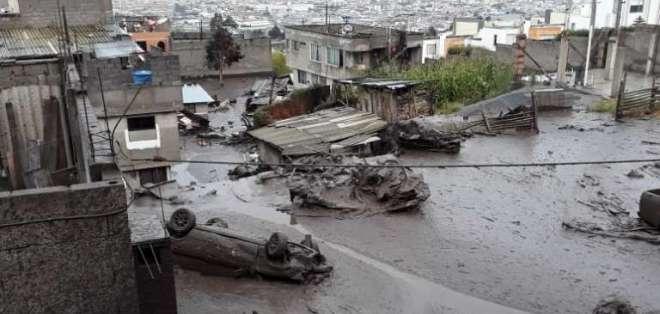 QUITO, Ecuador.- El ECU-911 no reportó víctimas tras este incidente. Foto: Bomberos Quito
