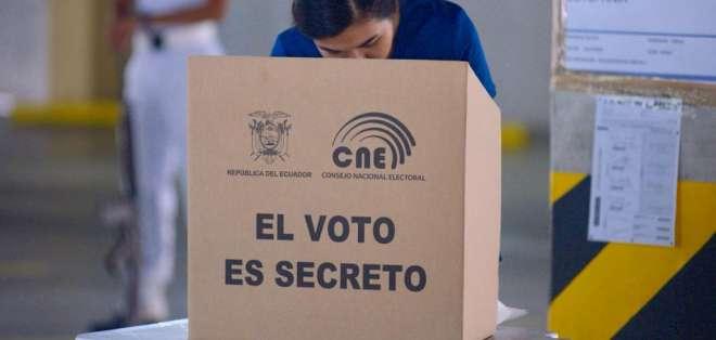 Proceso electoral continúa a nivel nacional con incidentes mínimos. Foto: API
