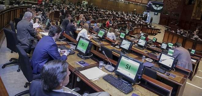 QUITO, Ecuador.- El análisis se concentra en qué comisión debe investigar los INA Papers. Foto: Asamblea