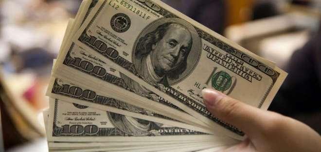 Denuncia de cartera de Economía apunta a tramitadores de pagos a proveedores del Estado. Foto referencial / AFP