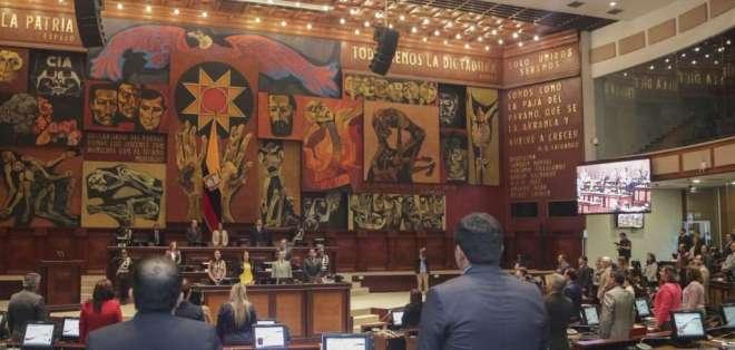 La presidenta del Legislativo, Elizabeth Cabezas, convocó a los asambleístas a las 11h30. Foto: Archivo
