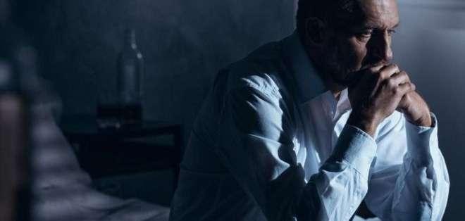 Una sensación de aislamiento es uno de los factores de riesgo del suicidio.