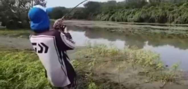 El video fue registrado en un río de Australia y conmociona en redes sociales. Foto: Captura de video