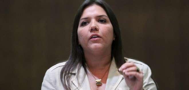 La U. de Guayaquil destituyó a 13 personas por señalados como autores. Foto: Asamblea