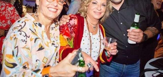 MIAMI, EE.UU.- La jueza más famosa de la televisión compartió con familiares y amigos.