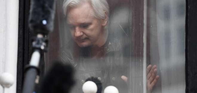 """Assange intentó crear un """"centro de espionaje"""" en la embajada, según Moreno. Foto: AFP"""