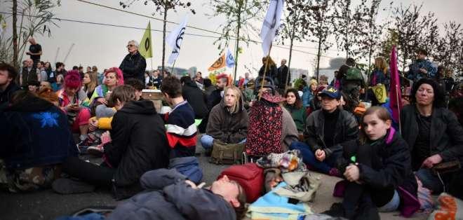 Más de 100 detenidos en marchas por el clima en Londres. Foto: AFP
