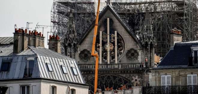 Autoridades de la reconstrucción decidirán los canales correctos para concretar la ayuda. Foto: AFP