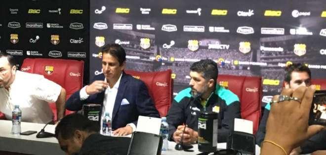 Leo Ramos, junto a José Francisco Cevallos, presidente de BSC.