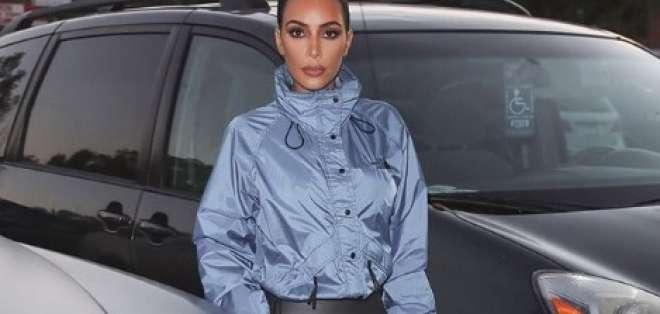 Por qué Kim Kardashian no sonríe en las fotos.