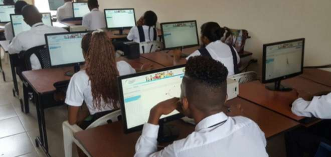 Se pueden inscribir estudiantes de tercero de Bachillerato y graduados en años anteriores. Foto: Archivo