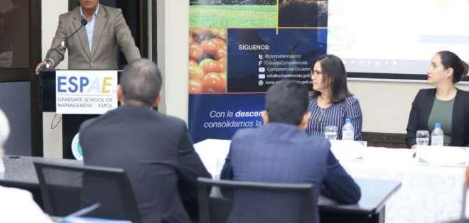 Morales considera que es urgente conocer el estado de contratos de las últimas administraciones de la Prefectura. Foto: Twitter.