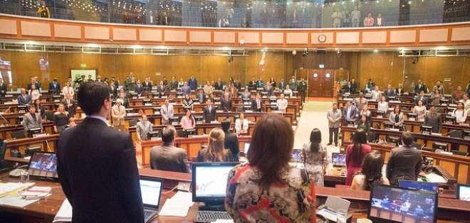 Legisladores tienen pendiente debatir mociones para crear comisión y pedir una auditoría. Foto: Asamblea