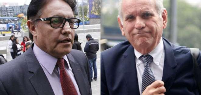 ECUADOR.- Villavicencio (i) desmiente a Cuesta y afirma haber dado toda la documentación a Fiscalía. Fotos: API