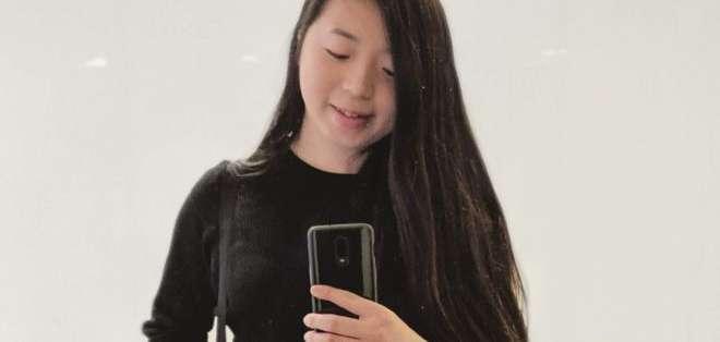 La joven estudiante de 23 años se dedica a hackear las apps más populares en su tiempo libre.