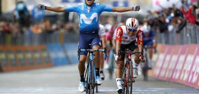 El ciclista ecuatoriano se ubica en el puesto 16 de la tabla general de la Gran Vuelta.. Foto: LUK BENIES / AFP