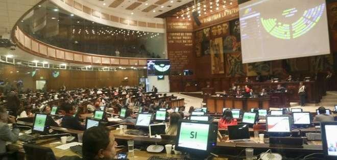 Apoyo a Litardo como presidente del Legislativo fue parte del acuerdo, según bloques. Foto: Asamblea