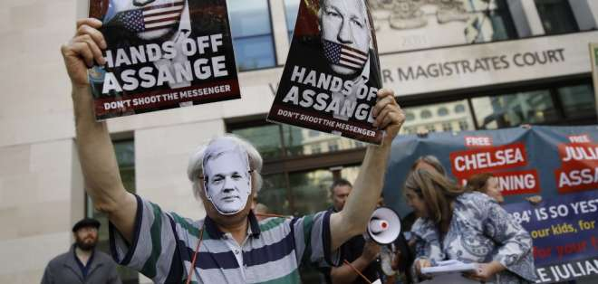 A principios de mayo, Assange fue condenado a 50 semanas de prisión por un tribunal británico. Foto: AFP