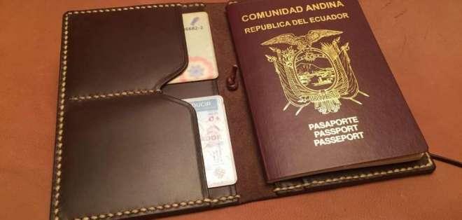 ECUADOR.- Tres cuadernos, el pasaporte de Pamela Martínez, entre otros objetos fueron encontrados por Fiscalía. Foto referencial