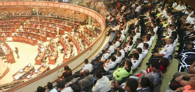 El presidente, César Litardo Caicedo, convocó a los asambleístas a las 10h00. Foto: Asamblea Nacional