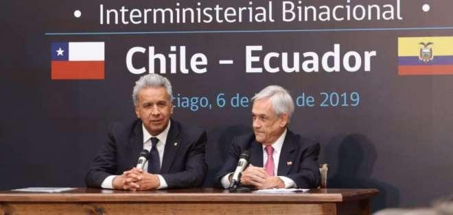 CHILE.- En la cita se firmaron otros 21 acuerdos, con 100 compromisos referidos a pequeña y mediana empresa. Foto: Secom