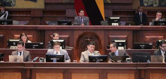 ECUADOR.- El pleno de la Asamblea debía resolver la elección este martes, pero suspendió la sesión. Foto: Asamblea