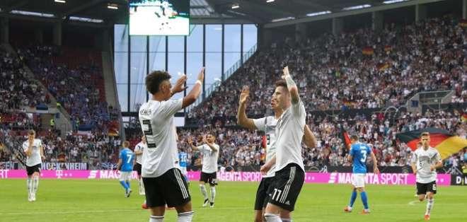 Festejo de los alemanes en la jornada de este martes.