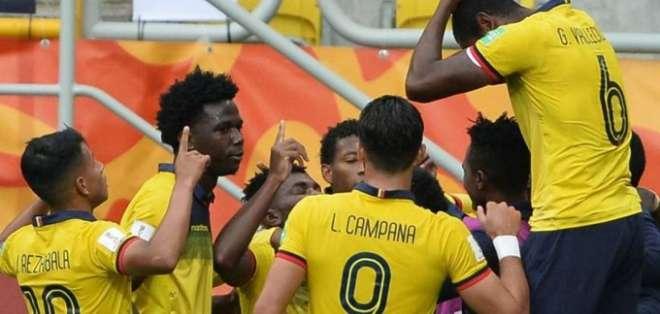 La Tri celebra uno de sus goles durante el Mundial.