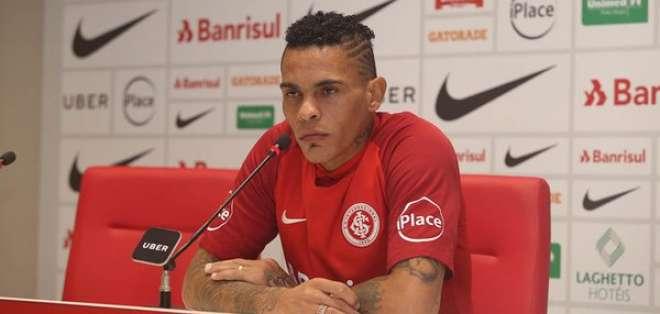 En esta temporada, no ha tenido muchos minutos en Brasil.