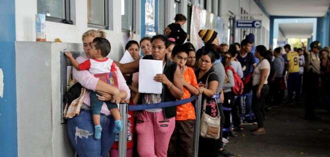 """Un número """"récord"""" de venezolanos llegó a la frontera con Perú este viernes 14 de junio."""