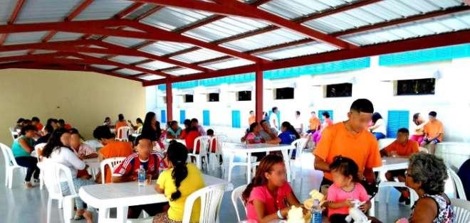GUAYAQUIL, Ecuador. Allegados a los internos acudieron a visitarlos. Foto: SNAI